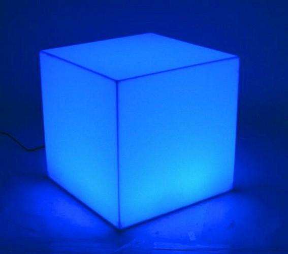 EUROLITE LED CUBE 15, off-beat decorative and lighting possibilities! Monivärinen, monikäyttöinen