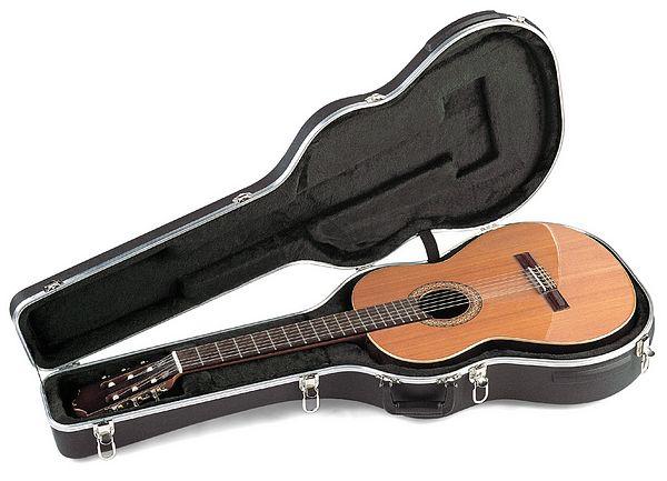 SKB SKB-30, Nylonkieliselle kitaralle, discoland.fi
