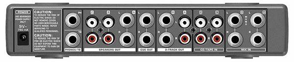 BEHRINGER MINIMON MON800  tarjoaa joustavat kuuntelusignaalin muokkausmahdollisuudet kaikenlaisiin sessioihin. MON800 soveltuu yhtä hyvin mikserin lisäosaksi kuin itsenäiseen käyttöönkin. MON800:n avulla voit vaihtaa tarkkailukaiuttimista toisiin silmänräpäyksessä, mikä takaa parhaat mahdollisuudet mahdollisten miksausongelmien havaitsemiseen. Talk-back-osio sisäänrakennetulla mikrofonilla tekee käytöstä helppoa ja joustavaa!