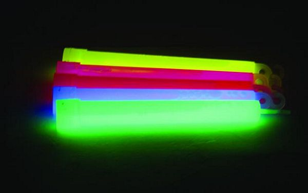EUROLITE Glow rod set 15cm, phosphorescent, all 5 colours, 5 kpl värit sininen, keltainen, pinkki, vihreä, oranssi. Hohtava valotikku, taivuta, niin saat kirkkaan värikkään valon