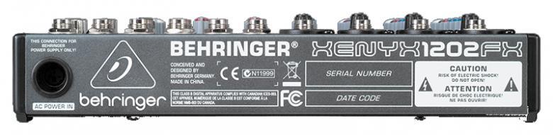 BEHRINGER XENYX 1202FX pieni PA mikseri DSP efektilaitteella. 12-sisäänmenoa. DSP efektiosiossa 24 bittinen prosessori, 100 kpl valmiita efektejä. Loistava vaikka karaokeen tai pikku PA keikoille. Mitat (KxLxS): 47 x 242 x 220 mm. Paino: 1.35 k