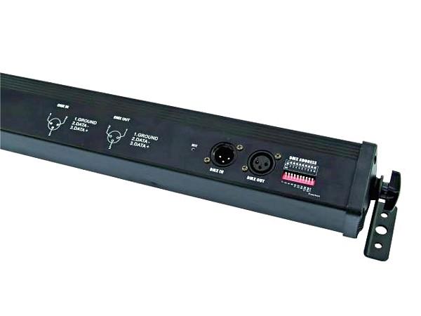 EUROLITE LED-palkki RGB 252 x 10mm aukeamiskulma 40°, sisäkäyttöön. Laadukas LED-valaisin, tehokkailla 10mm LEDeillä 252 kpl. Musiikkiohjaus, DMX sekä automatiikka, 12 kanavaa, 30W