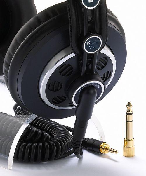 AKG K240 MKII Studio kuuloke MKII, kuulokepaketit sisältävät kahdet piuhat (3 ja 5 metriä) ja kahdet korvatyynyt (keinonahkaiset ja samettiset)