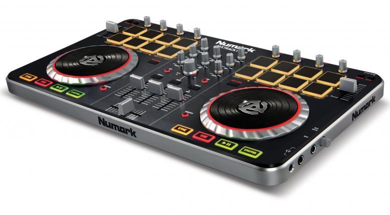 NUMARK DJ-kontrolleri Mixtrack PRO 2 Digital DJ Interface. DJ kontrolleri varustettu interfacella + Serato DJ intro softalla. Toimii MAC sekä PC laitteissa. Interface eli sisäänrakennettu äänikortti laitteen mukana. Kompakti je helposti mukana kulkeva Mixdeck on helppo yhdistää tietokoneeseesi. Useilla näppäimillä ja ohjaimilla varustetun mikserin käyttömukavuus on parempi kuin näppäimistön ja hiiren käyttäminen.