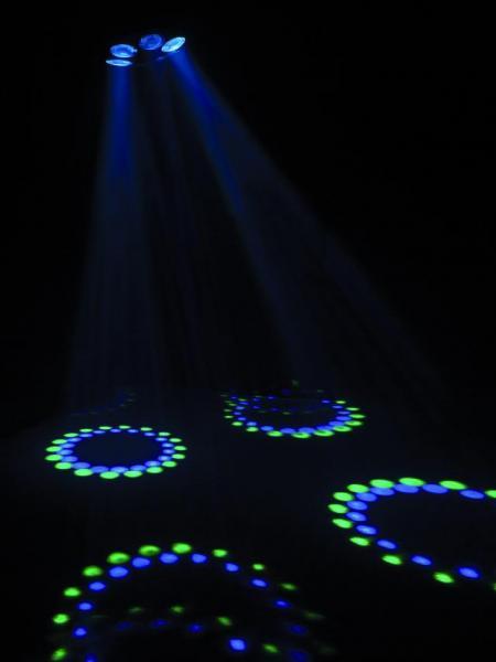 EUROLITE LED Z-600 RGBW DMX, RGB sekä Valkoiset LEDit, Uutta Tekniikkaa Retrokuorissa, Tämä Efekti Ei Jää Huomaamamatta, New technique with retro look!