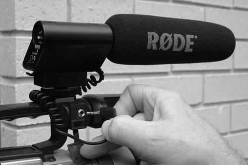 RODE Elektreetti suuntamikrofoni videokameraan, Superkardioidi, toimii 9V paristolla, sis.kamerapidikkeen!