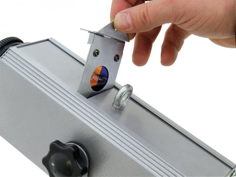 POISTO EUROLITE LED LP-6 LED Logo-projektori 28mm goboille, tällä laitteella saat näpärästi messuilla tai yrityksen toimitilassa heijastettua vaikka yrityksen logon tai tarjouksen seinään tai lattiaan. 3W led valonlähde. Mitat 260 x 135 x 210 mm sekä paino 1,4kg.