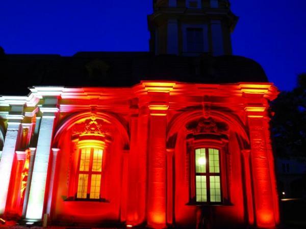 EUROLITE LED FL-24 RGB FC IP54 10°, Väriävaihtava valoheitin ulkokäyttöön!