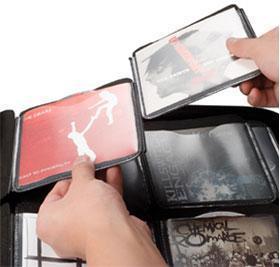 SLAPPA 240 Hardbody CD kuljetuscase PRO, 240 kpl CD levyille PRO Cd Black Wave design. Erittäin pieneen tilaan. saat mahtumaan 120 CD- DVD levyä kansien kanssa tai 240 levyä ilman kansia.<br /> Tyylikäs toteutus ja näppärä vetoketju kiinnitys.<br /> Sisätila vuorattu sametilla ja mikäli CD lehdet- sivut joskus hajoavat, saat hankittua varaosina uusia!