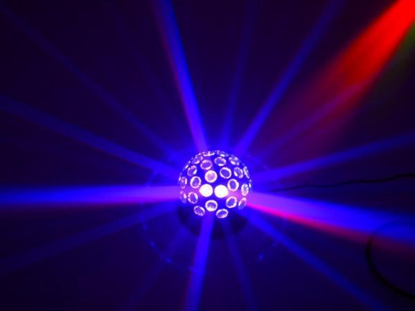 EUROLITE LED B-10 Peilipallo efekti vaihtuvin värein. Vallankumouksellisen kirkas