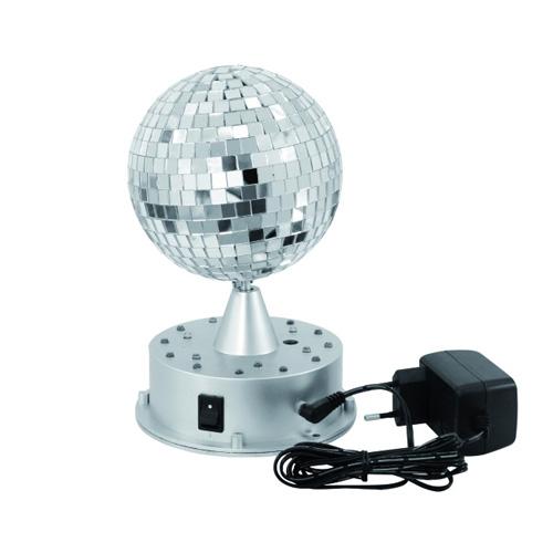 EUROLITE LED peilipallo 13cm valolla sekä moottorilla.   Valaistu ulkopuolelta 3 vihreää, 3 sinistä ja 3 punaista LEDiä, automaatinen värien vaihtuvuus!On varustettu moottoroidulla jalustalla, valaistu ulkopuolelta. <br /> 3 vihreää, 3 sinistä ja 3 punaista LEDiä, automaatinen värien vaihtuvuus.<br /> Tämä on loistava valinta bileiden piristäjäksi
