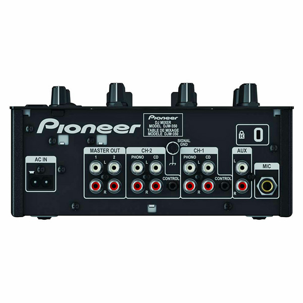 PIONEER DJM-350 DJ Mikseri club DJM-350-mallissa on huippuluokan klubituotteille tyypillisiä ominaisuuksia, kuten tehokkaita, luovia efektejä, sekä uusia ainutlaatuisia ominaisuuksia, kuten USB-nauhoitusmahdollisuus, 2-Channel DJ Performance Mixer USB, PRO-DJ-Tuote! DJM-350:n USB-portin avulla voit nauhoittaa suoraan USB-muistilaitteelle ilman tietokonetta tai nauhoituslaitetta.  Musiikki tallennetaan huippuluokan WAV-tiedostoina ja voit lisätä raitamerkintöjä samalla, kun toistat musiikkia suoraan mikserillä.  Kun olet valmis, voit helposti tuoda miksauksiasi tietokoneellesi ja muokata niitä jälkimiksauksina.