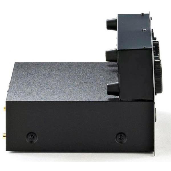 NUMARK CDN22 MK5, Todella järkevän hintainen tupla cd soitin, joka soveltuu Dj - Ryhmäliikunta sekä taustamusiikki käyttöön, Tuote on räkkiin asennettava, mutta voidaan käyttää myös tasolta tai upottaa pöytälevyyn! Rack-Mount Dual CD Player!