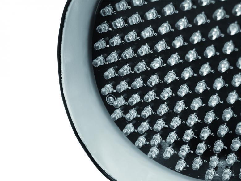 EUROLITE LED PAR-56 valaisin RGB LED DMX Valonheitin vaihtuvilla väreillä sekä musiikkiohjauksella, Musta, 151 Lediä, DMX ohjattava, 21°asteen aukeamis kulma, 5mm ledit 151kpl. LED par-heittimiä voit käyttää monissa eri käyttötarkoituksissa, kuten tunnelman luomisessa, stageilla, discossa, kotona sekä julkisissa tiloissa. Teholuokkia on tuotteissa nykyään useita! Laitteessa on sisäänrakennettu mikrofoni, joka tunnistaa  musiikin. Mitat 165 x 205 x 240 mm sekä paino 1.5kg.