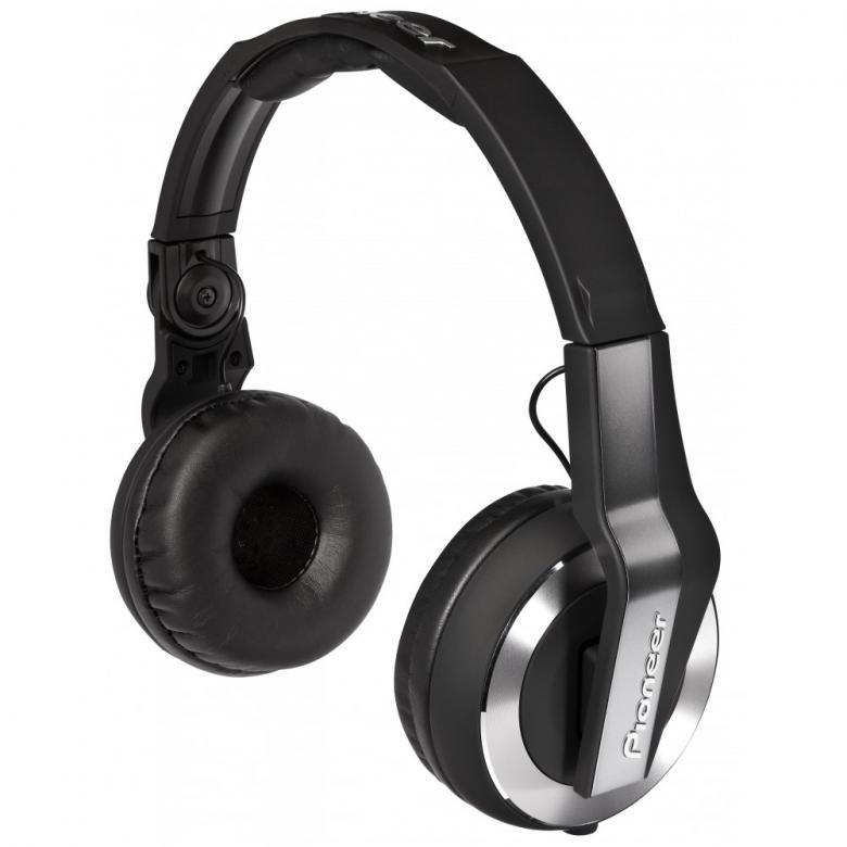 PIONEER HDJ-500K Musta Dj-kuuloke on suunniteltu joustavaa DJ-elämäntyyliä varten; ne sopivat sekä koti-DJ:n käyttöön, klubille että oman tanssimusiikin äänentarkkailuun reissussa.