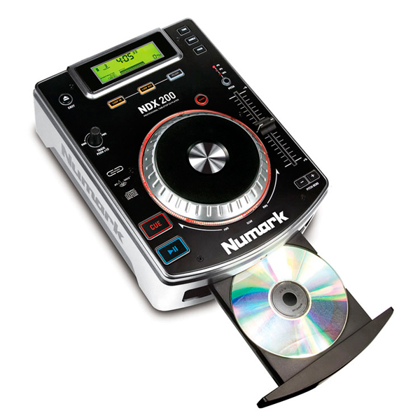NUMARK NDX200 DJ Cd soitin pöytämallinen Harraste tai ryhmäliikunta käyttöön soveltuva sekä nopeudensäädöllä varustettu, Tabletop CD Player! NDX200:lla voit scratchata ja luoda looppeja CD:ltä pelkäämättä pätkimistä tai häiriöitä. Toistaa CD:t ja CD-R:t. Kookas ja tarkka scratch wheel, Anti-Shock -pätkimisesto, Saumaton looppien luominen ja yhdistely.