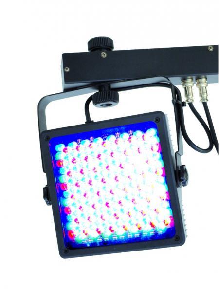 EUROLITE LED KLS-401 RGB DMX 4 spotin valosetti Sisältää kuljetuskotelon. Ultraohut valosetti joka on varustettu casella. tehokkaat 10mm ledit takaavat todella loisteliaan valoshown. Voit ohjata setti DMX ohjaimilla tai optiona saatavalla FP-1 jalkapedaalilla. Mitat 1200 x 55 x 310 mm  sekä paino 8.5kg.