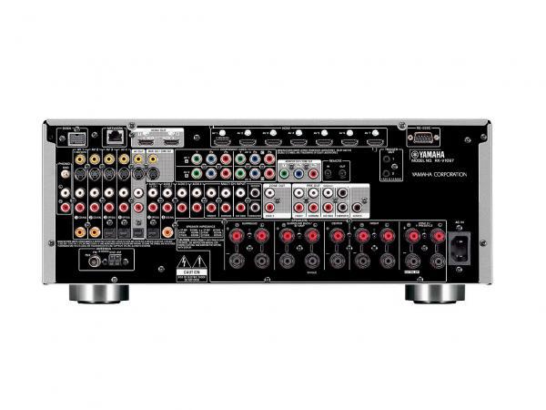 YAMAHA RX-A1040 7-kanavainen Kotiteatteri vahvistin 1190W!  Yamaha RX-A1040 on Aventage konseptin mukaisesti valmistettu, erittäin tukevalla rungolla oleva viritinvahvistin. Pohjalevyä tukemassa keskelle sijoitettu viides tukijalka joka vähentää entisestään ääntä häiritseviä värinöitä Tehokas 7.2 vahvistin,PRE-OUT aktiivikaiutinlähdöillä sekä uusien HD ääniformaattien purulla. Uusimmat HDMI liitännät, tukien UHD 4K resoluutiota, 3D kuvaa sekä ARC audio paluukanavaa. Kuvaskaalain aina 4K resoluutioon saakka. Erilliskomponenttirakenteensa ansiosta RX-A1030:sta löytyvät tasokkaat DACit ESS Sabrelta 192kHz/24-bittisenä, mikä tukee musiikin ja elokuvien ääniraitojen puhdasta toistoa. Levysoitinliitäntä