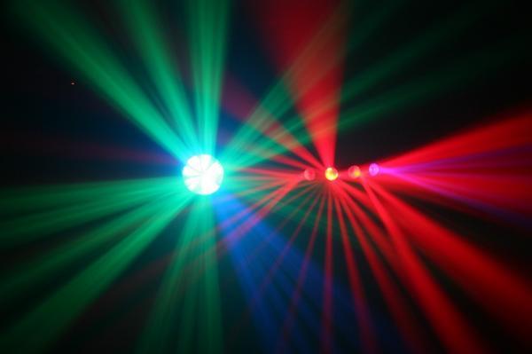 BEAMZ Sphinx Double Moon LED+ Laser Effect 170mW, 2 kpl LED valoefekti sekä kaksivärinen laser 170mW! Luokka 3B, Punainen laser 120mW, Vihreä laser 50mW, Säädettävä moottori, Automaatti- tai ääniohjaus. Sisäänrakennettu tuuletin. Luokka 3B<br /><br /> Punainen laser 120mW. Vihreä laser 50mW.<br /><br /> Säädettävä moottori. Automaatti- tai ääniohjaus.<br /><br /> Sisäänrakennettu tuuletin. valoa_ja_savua.