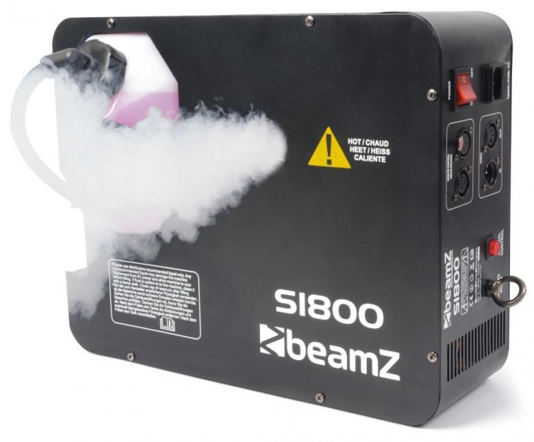 BEAMZ S1800 DMX Savukone vertikaalinen tai horisontaalinen savukone! Voit suihkuttaa ylös tai eteenpäin. Erittäin tehokas savukone vaativaankin käyttöön. Irroitettava 2 litran tankki helpottaa savunesteen lisäämistä. Laitetta voi ohjata DMX:llä ja manuaalikäytössä laitteessa on mm. ajastin. Mitat 410 x 320 x 150mm sekä paino 5.9kg.