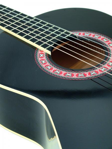 DIMAVERY AC-303 Klassinen akustinen nylonkielinen kitara 4/4, musta. Soveltuu loistavasti harraste soittimeksi tai ensimmäiseksi kitaraksi harjoitteluun