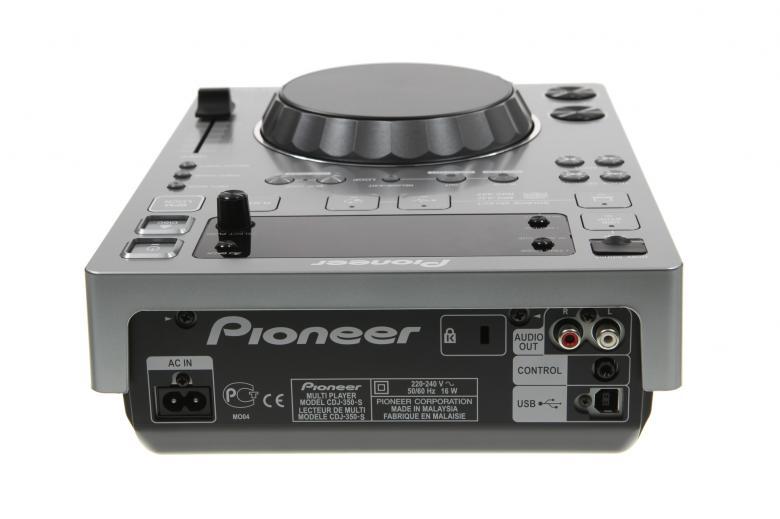 PIONEER CDJ350 CD USB DJ soitin. Hopea. CDJ-350  toistaa kaikkia ammattimaisia ja suosittuja muotoja CD:ltä tai USB:ltä. Todella oikeuksiinsa se pääsee yhdistettynä tietokoneeseesi, PRO-DJ-Tuote!
