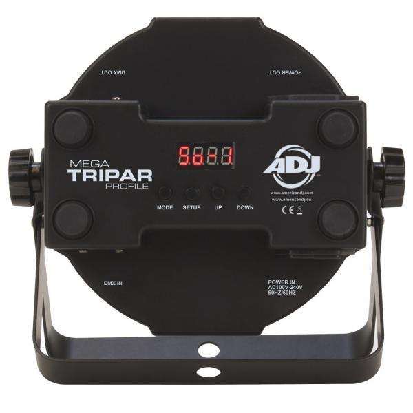 POISTO ADJ Mega TRIPAR Profile tehokas LED heitin 40° 5x 3W Tri color LED! Näyttävä leveällä keilalla varustettu TRI par heitin, erittäin litteä ja tehokas.Todellinen keikkasetti, osta 4 kpl tehokkaita DMX ohjattavia LED par valoja. 5X 3W ledit takaavat häikäisevän valotehon! Voidaan ohjata yleisimmillä DMX ohjaimilla! Vastaavuus noin 200W perinteiselle spotille! Mitat 225x220x85mm sekä paino 1.1kg.