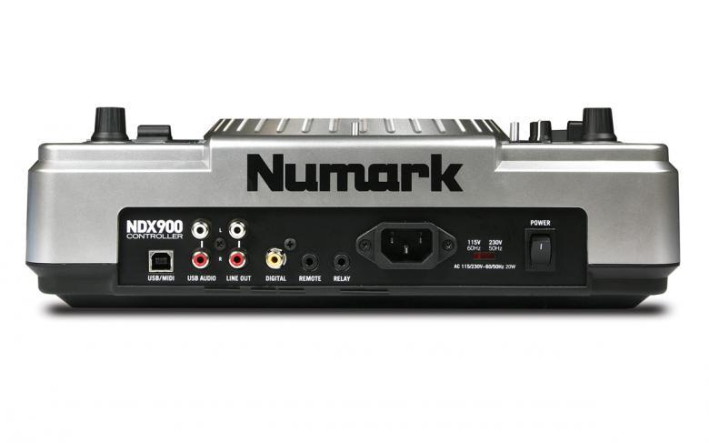 NUMARK NDX900 DJ CD soitin ohjain MP3/CD/USB, Toimii Ohjelmistoohjaimena, Mukana Traktor-ohjelmisto tietokoneelle,  Controller Professional Software Controller with MP3/CD/USB. Tällä soittimella voit soittaa suoraan omalta tietokoneeltasi, eli laite toimii ohjelmisto ohjaimena. Ohjelmana Traktor LE, joka tulee myös soittimen mukana paketissa! Asenna ohjelmisto koneellesi ja lataa kansioon MP3 kappaleita, kytke laite USB porttiin niin voit ohjata musiikkia koneeltasi, kuin soittaisit suoraan CD levyltä konsanaan. Kun hankit 2 kpl soittimia on miksauksiesi taso helposti nostettavissa uusiin sfääreihin!