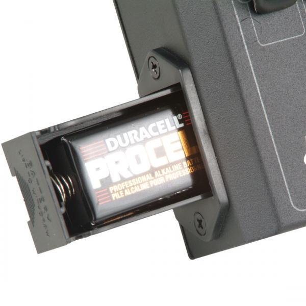 ELATION SDC-6 DMX ohjain, Helppokäyttöinen DMX ohjain kuudella kanavalla! DMX controller , easy to use! Toimii paristoilla sekä Virtalähde kuuluu toimitukseen. Mitat 173 x 153 x 55 mm sekä paino 0,8kg.