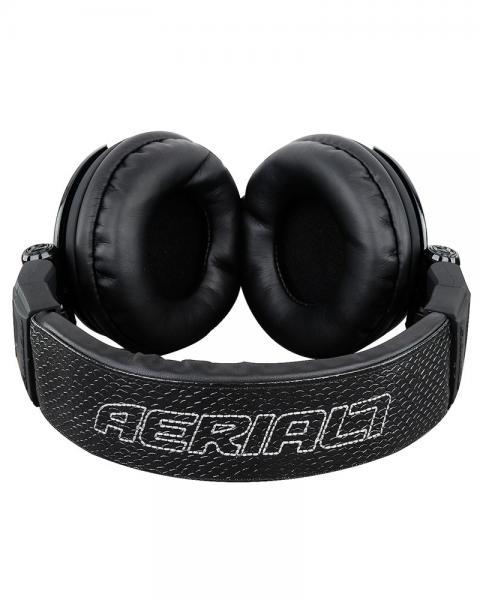 AERIAL7 Tank ECLIPSE, Musta DJ kuuloke!Todellista tyyliä upealla designilla. Potkaisee tyylillä! DJ äänen toistavat TANK kuulokkeet ovat suunnitellut äänentoiston herruuteen, TANK in avulla voit tutustua koko äänen kirjoon, matala jyrinä, johdonmukainen keskialue aina rapeasti toistuva huippuihin. Erittäin paksut tyynyt koteloivat korvia, kun taas leveä säädettävä sanka takaa huippu istuvuuden.