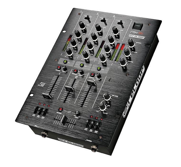 RELOOP RMX-30 DJ mikseri, Premium luokan huippu DJ tuote. Dj mikseri Klubi ja DJ käyttöön!Reloopin kolmikanavainen, preminum luokan DJ mikseri.  Nyt mahtavan tyylikkäällä syvän mustalla Blackfire pinnalla. Kumilta tuntuvat Knobit ja ergonomisesti muotoillut liuku säätimet.