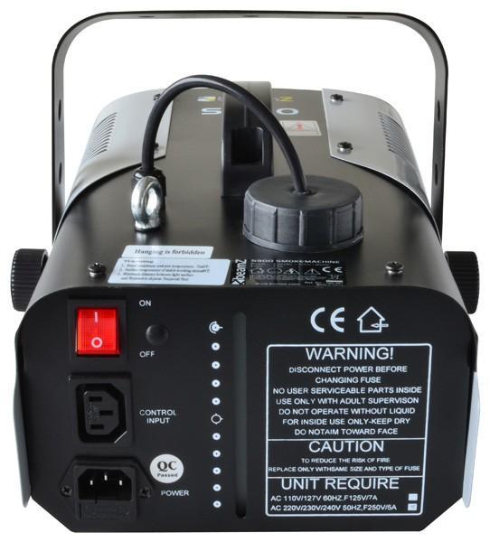 BEAMZ S900 MK2 savukone medium tuotolla 150m³ minuutissa, 900W lämmitin. Pienikokoinen savukone Dj- ja lavakäyttöön. Tämä on todellinen tykki kokoluokassaan. Soveltuu myös koulujen jumppasaleihin sekä keikkaileville bändeille. Sis. langallisen kauko-ohjaimen! Lisää savunestettä ja muutaman minuutin kuluttua kone on valmiina käyttöön! Mitat 340 x 200 x 180mm sekä paino 3.4kg. Uusi versio 1.2014!