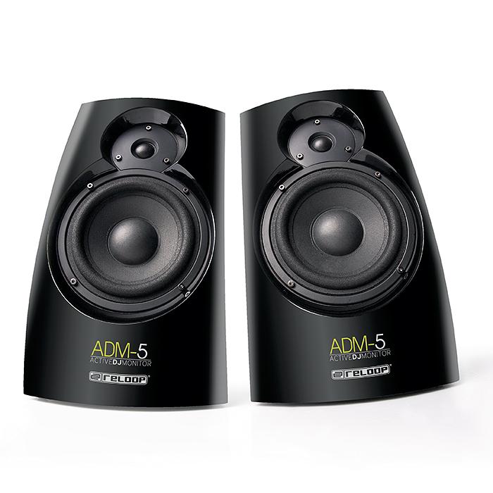 RELOOP ADM-5 2x30W aktiivimonitori kaiutin 2kpl!toisessa kaiuttimessa on vahvistimet ja toinen on ns. slave. säädettävä basso sekä yläpää. Laaja dynamiikka 35 Hz- 20 kHz. Vaikka tuote on edullinen on kaiuttimien runko tehty puusta. Tämän kaiutinparin saat helposti kiinni vaikka DJ kontrolleriin. Kaiuttimet ovat magneettisuojatut. Mitat 232 x 320 x 180 mm ja paino 5,0kg/kpl.