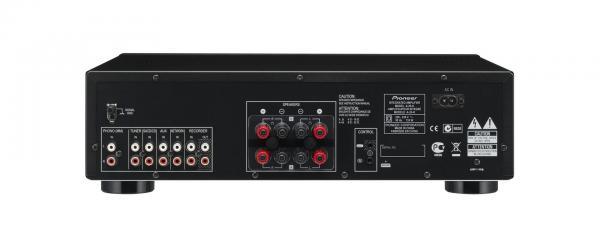 PIONEER A-20K Vahvistin 2x50W. Musta, Phono, line Käytännöllisyyttä, taidokkuutta, suorituskykyä. A-20-vahvistimet, joissa on Direct Energy -ominaisuus ja symmetrinen rakenne, tarjoavat luokkansa parhaan huipputasoisen äänen teknisen eleganssin sisällä.