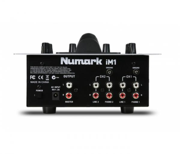 NUMARK iM1 Professional Scratch Mixer, 2–Kanavainen DJ-mikseri Iphone/ Pad telakalla.