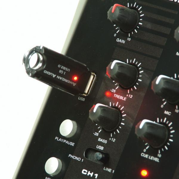 ADJ Q-D1 PRO USB 2-kanavainen DJ mikseri. USB soittimella. laadukas pikku mikseri dj käyttöön. 2kpl levysoitin, 2kpl linjatason liitäntä sekä 1kpl mikrofoni. Sisäänrakennettu USB soitin mp3 tiedostoille, helppo taustamusiikille varustettu play ja skip nappulalla..