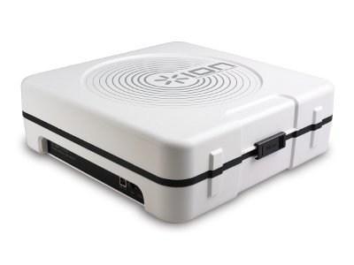 IONAUDIO ION Audio Mobile LP (iPTUSB) Portable Digital Conversion Turntable. Kannettava levysoitin kaiuttimella sekä USB liitännällä, siirrä vinyylit koneelle! Toimii myös paristoilla!toimii 33 1/3, 45, sekä 78 kierrosnopeuksilla. nopeudensäätö Pitch +/- 10% pitch, kuulokeliitäntä sekä liitäntä ulos suoraan linjatasoisena line liitäntään, ei siis vaadi riaa korjainta.