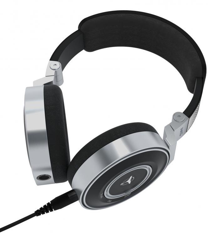 AKG K67 TIËSTO DJ-kuulokkeet harrastaja DJ-käyttöön. Erinomaisen suosion saanut Tiëston nimikkokuulokesarjan nuorin kuopus, joka ei laadussa häviä! TIËSTOn suunnittelemat suljetut dynaamiset DJ-kuulokkeet 40 mm matalataajuuselementillä ja 500 mW:n teholla antavat loistavan suorituskyvyn olosuhteista riippumatta. Kuulokkeet on tarkoitettu DJ- ja studiokäyttöön. näppärän kokoiset ja soveltuvat myös koti ja liikkuvaan käyttöön. Loistava soundi ja muotoilu. Kullatut liittimet, 3.5 mm plugi + 6.3 mm ruuvikiinnitteinen adapteri.