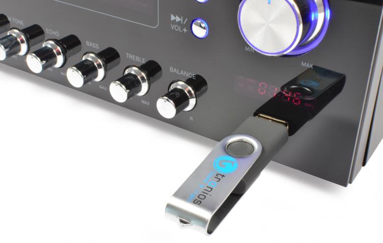 SKYTRONIC AV-120FM Mini Viritinvahvistin USB 2 x 60W Soittimella ja radiolla.Stereo Karaoke Monipuolinen 2x 60W stereovahvistin! Tämä on todellinen yleiskone, voidaan kytkeä DVD, CD tai muita audio laitteita 2kpl mikrofoneja, eli soveltuu karaokeen sekä USB tikku toisto musiikille sekä kaiken päälle viritin sisäänrakennettuna. Mitat 280 x 245 x 100mm sekä paino 2.8kg.