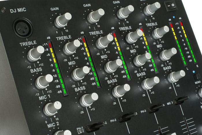 SKYTEC MAX7000/ STM7000, Mixer 4 channel 10 inch  DJ mikseri. Tässä DJ mikserissä on hinta kohdallaan! 4 kanavaa, balasoidut ulostulot, DJ booth!!