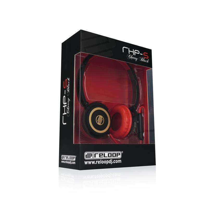 RELOOP RHP-5 Cherry Black Laadukas kuuloke mikrofonilla, joka on iPhone® yhteensopiva! Voit siis puhua puhelimella ottamatta kuulokkeita pois! Reloop ylpeänä esittelee RHP-5 kuuloke sarjan sisäänrakennetulla iPhone ohjauksella. Kompakti sekä kevyt, mutta siitä huolimatta jykevä rakenne, laadukas soundija myös hinnaltaan sopivat. Pyörivät kuulokkeet sekä taitettava muotoilu helpottavat kuljetusta. Tämä kuuloke pitää sisällään mikrofonin ja vastaus sekä vaimennus kytkimet. Toimii älypuhelinten kanssa kuten iPhone. Kuulokkeen johdossa on näppärä volumen säätö sekä paidankaulus clippi, jonka avulla saat mikin kuulumaan hyvin. Tässä kuuloke mallissa on laadukkaat elementit, jotka tuottavat upean bassotoiston sekä heleät diskantit.