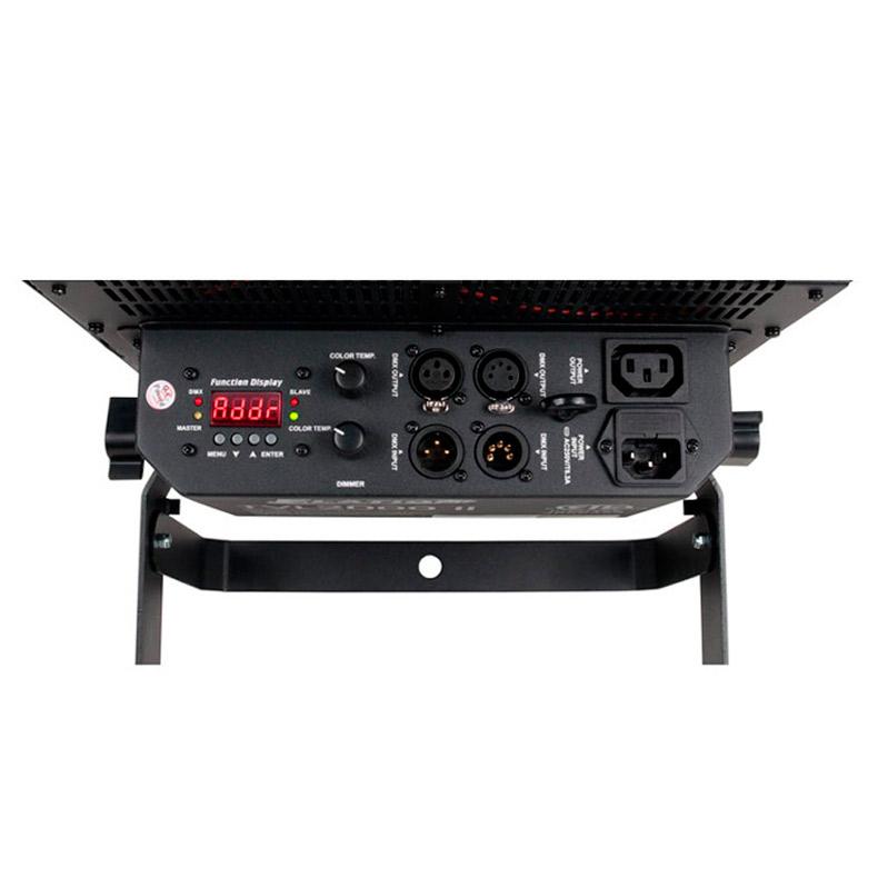 ELATION TVL 1000II televisioon ja kuvaukseen tehokkaita kylmän ja lämpimän valkoisia ledejä. DMX ohjattava ammattiflood. Tv ja kuvauskäyttöön sopiva, sisältää barndoors. kylmiä sekä lämpimiä LEDJÄ miksattuna keskenään 200+ 200kpl. Mitat 406x350x113mm sekä paino 6.2 kgs.