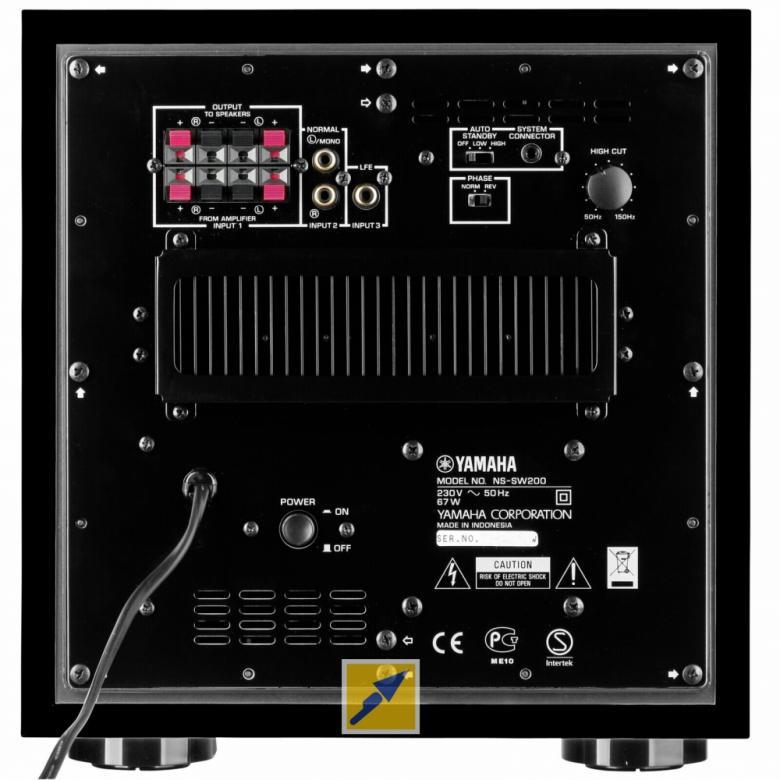 YAMAHA NSSW200 Aktiivisubwoofer 130W Viimeistely matta. QD-Bass ohjaus, magneettisuojattu, 28-200 Hz, YST II teknologia, 20 cm elementti, PDM-sarjaa, auto standby, linja sekä kaiutintaso liitäntä, musta.Musiikki ja elokuvat pääsevät oikeuksiinsa vain, jos basso toistuu syvältä ja selvästi.subbarissa käytetään erittäin pitkälle kehitettyjä tekniikoita, kuten Advanced YST- ja QD-Bass-menetelmiä, joiden avulla äänenpaineet ja yleinen äänenlaatu saadaan erinomaisiksi. 130W, mitat 290 x 350 x 30 mm ja paino 11.2kg.