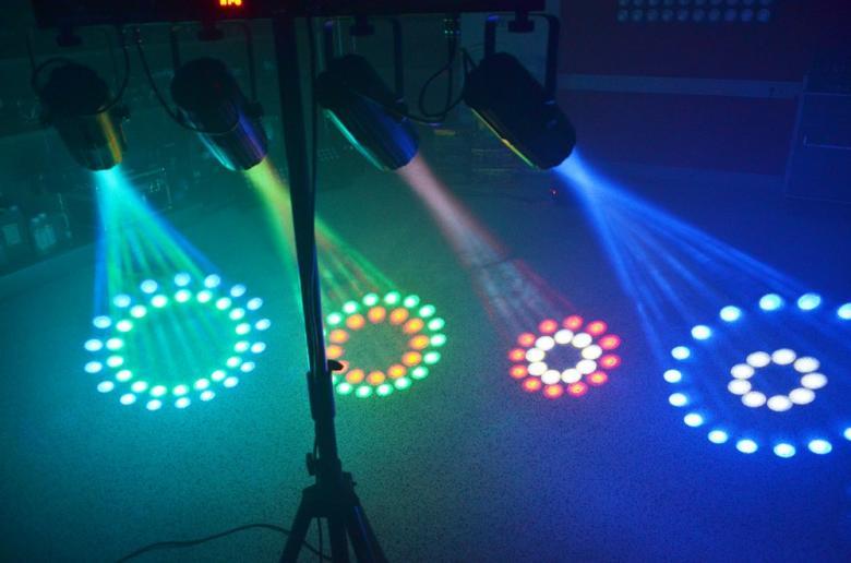 BEAMZ 4-Some LED-valosetti 4x57 RGBW DMX. Läpinäkyvät spotit. Neljän valon kimppa! Tässä 4-Some valo-efektissä on 4 LED sädekimppuefektiä jotka on helppo asentaa mukana tulevaan T-tankoon. Kaikki 4 laitetta voidaan suunnata erikseen ja niitä ohjataan kuudella DMX-kanavalla joilla voidaan luoda kauniita valo-ohjelmia. Jokaisessa laitteessa on 57 RGB LEDiä suurella valontuotolla ja ne pystyvät tuottamaan hienoja kuvioita. Helpon käytön takaamiseksi laitteet toimivat myös sisäisillä ohjelmilla tai ääni-ohjattuina. Master/Slave-asetuksella kaikki valot saa seuraamaan samaa ohjelmaa. T-Bar sopii kaikkiin BEAMZ-valostandeihin joten 4-some on täydellinen ratkaisu millä tahansa keikkareissulla. Virtalähde: 220-240Vac / 50Hz, Mitat: 838 x 89 x 318mm, Paino: 5,7kg (per unit)