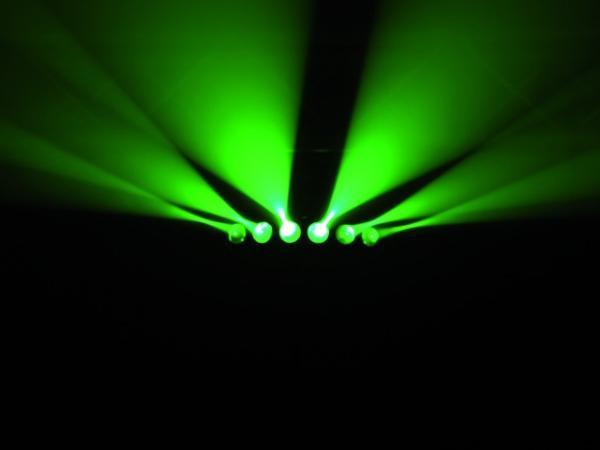 EUROLITE LED SCY-200 TCL Beam-efekti, laajin valaistuskulma kattaa 150° sektorin! Classic beam effect as TCL version.