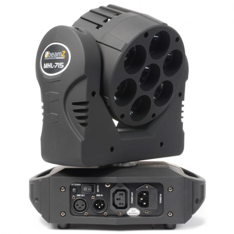 BEAMZ MHL-715 13-kanavainen Moving Head Wi-Spot 7x 15W Quad LEDs DMX 2.4GHz. Tehokas Quad ledeillä varustettu moving head. Pienikokoinen moving head 7x 15W ledillä. Led kykenee tuottamaan uskomattoman tehokaan valon, joka soveltuu musiikkibaareihin, clubeihin, pieniin discoihin sekä DJ keikoille sekä live artisteille suuresta tehosta johtuen. Mitat 273 x 167 x 331mm sekä paino 4,5kg.